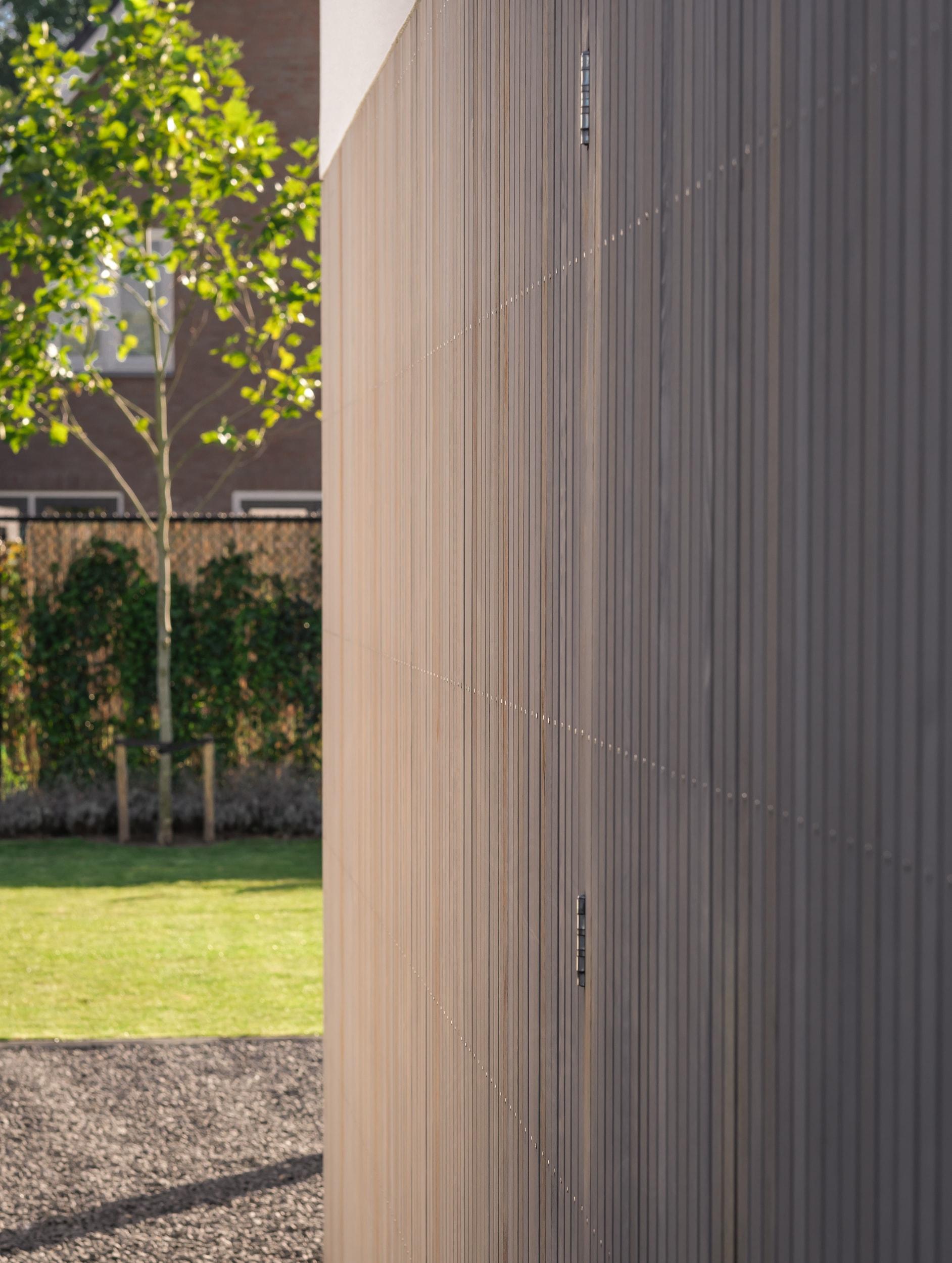 van-os-architecten-nieuwbouw-woning-Hoge-Gouw-Teteringen-detail-houten-gevelbekleding-en-horizontale-bevestiging