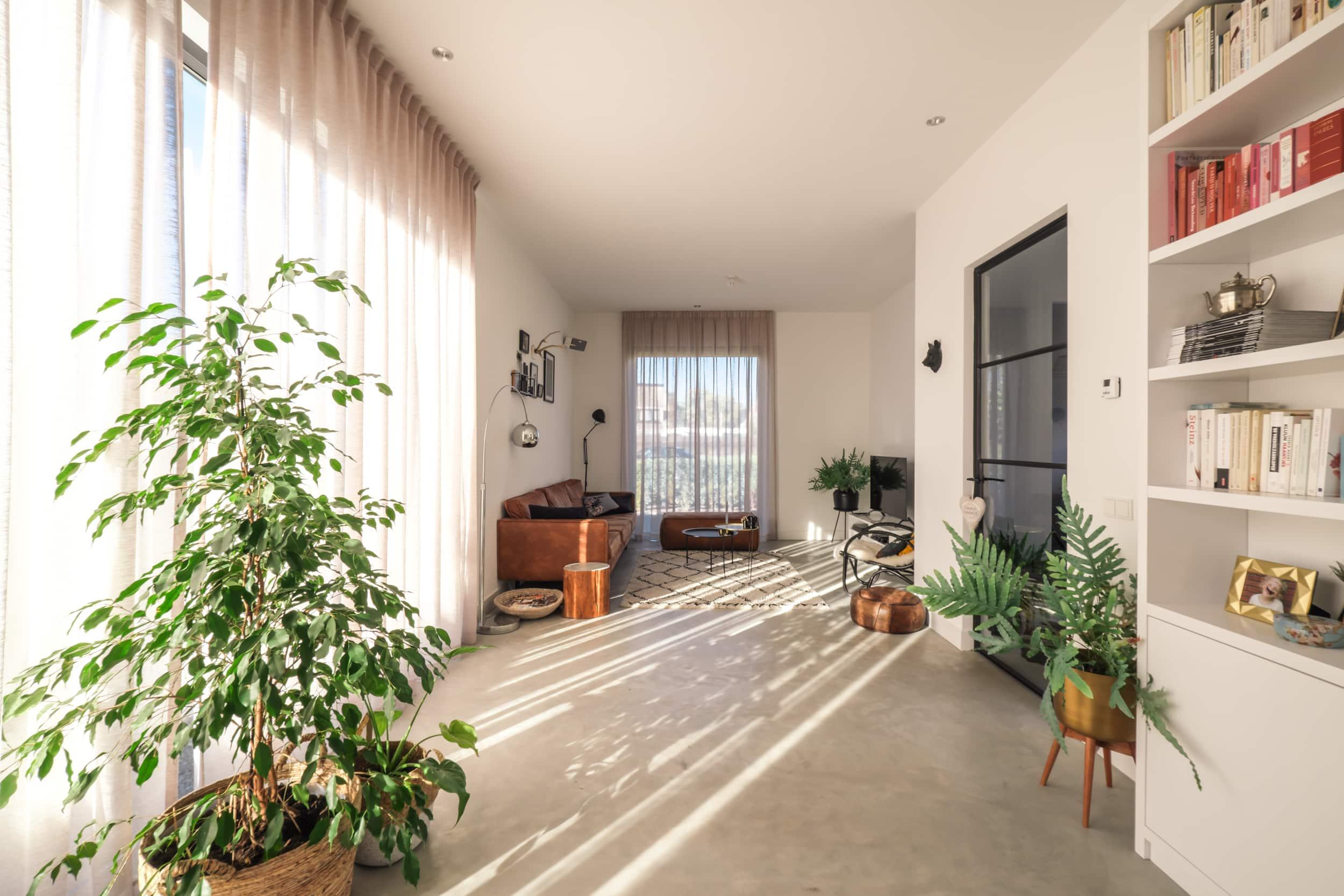 van-os-architecten-nieuwbouw-woning-Hoge-Gouw-Teteringen-zichtwerk-monolitische-betonvloer