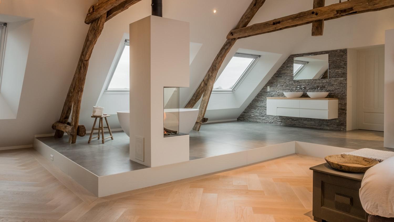 Plattegrond Slaapkamer Renovatie : Renovatie sfeervolle woonboerderij in sprundel met oude houten spanten