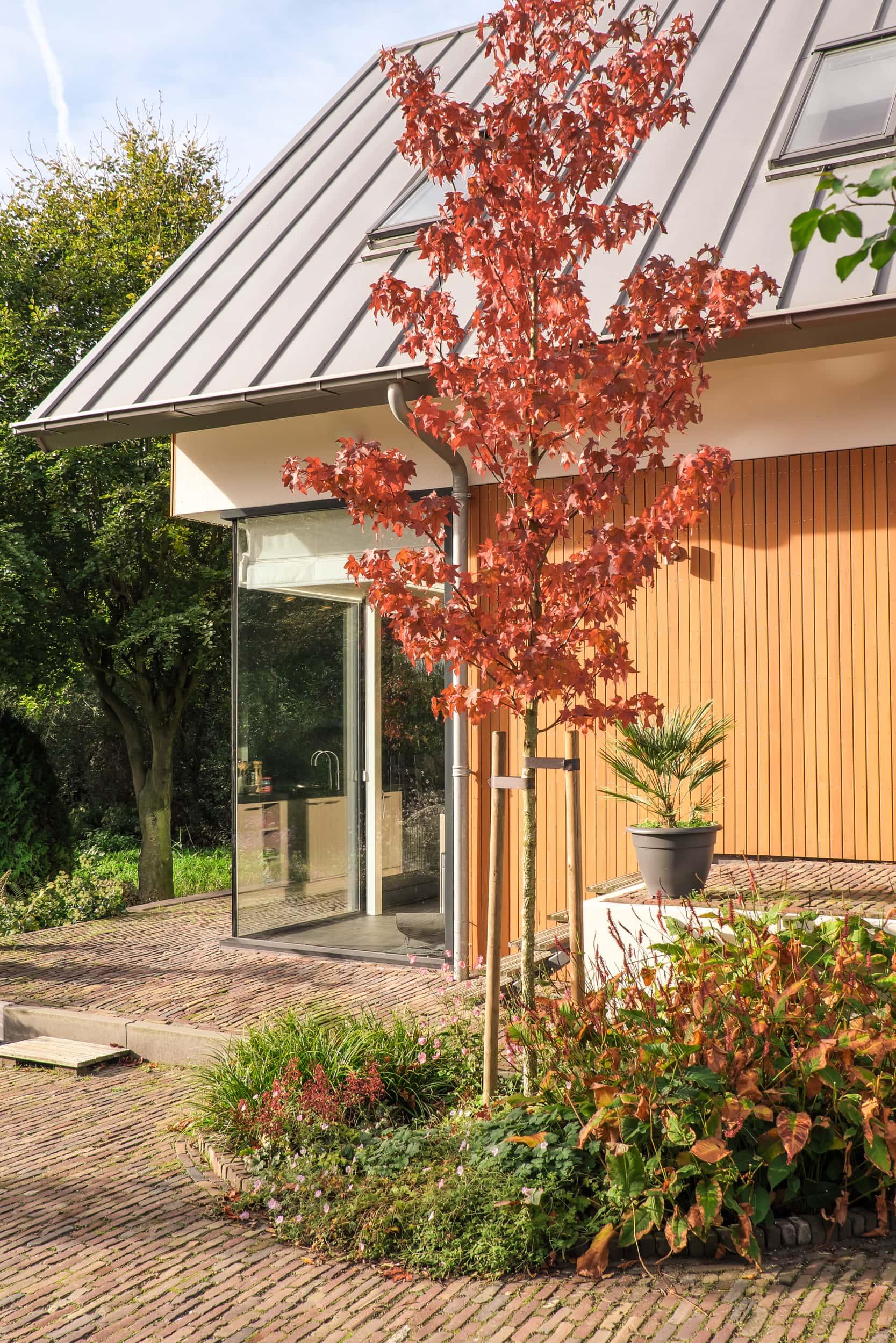 van-os-architecten-nieuwbouw-dijkwoning-rottekade-zevenhuizen-herfst-hoogteverschil-in-plattegrond