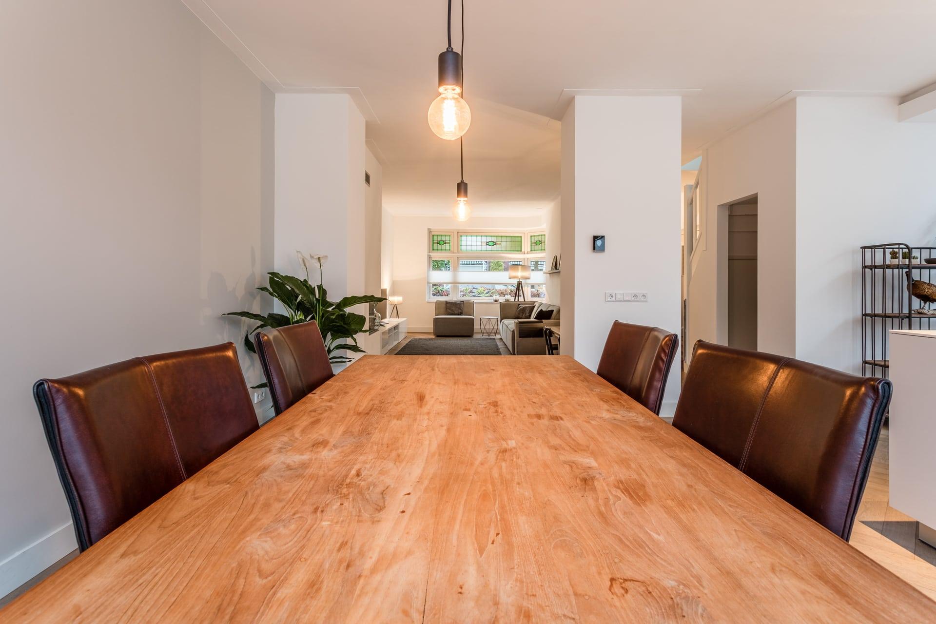 van-Os-architecten-verbouwing-2-onder-1-kapper-Valkenierslaan-Breda-zicht-op-ensuite