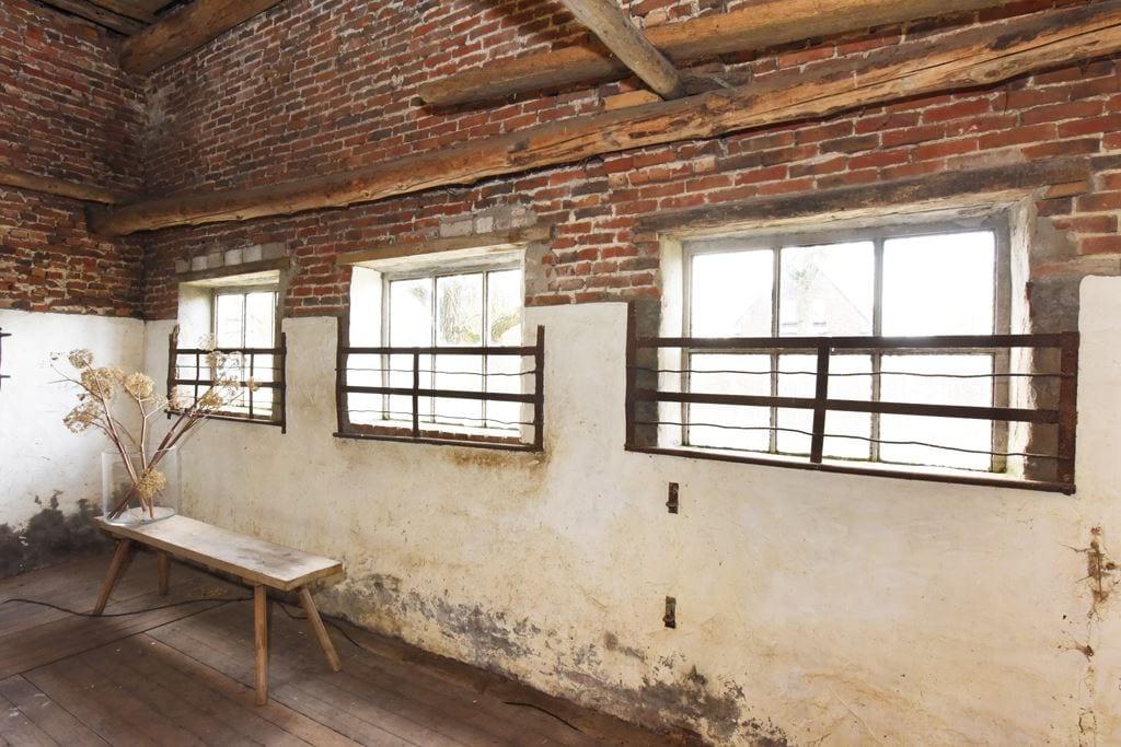 van-os-architecten-transformatie-oude-boerderij-schuur-tot-woonhuis-Galder-bestaande-oude-stalramen