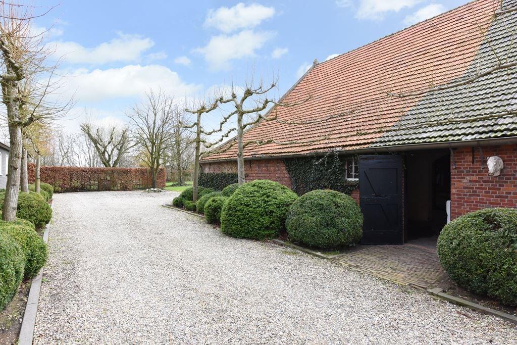 van-os-architecten-transformatie-oude-boerderij-schuur-tot-woonhuis-Galder-bestaande-zijgevel