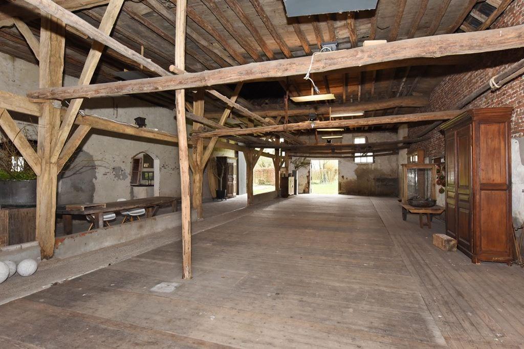 van-os-architecten-transformatie-oude-boerderij-schuur-tot-woonhuis-Galder-opbouw-eikenhouten-spantconstructie