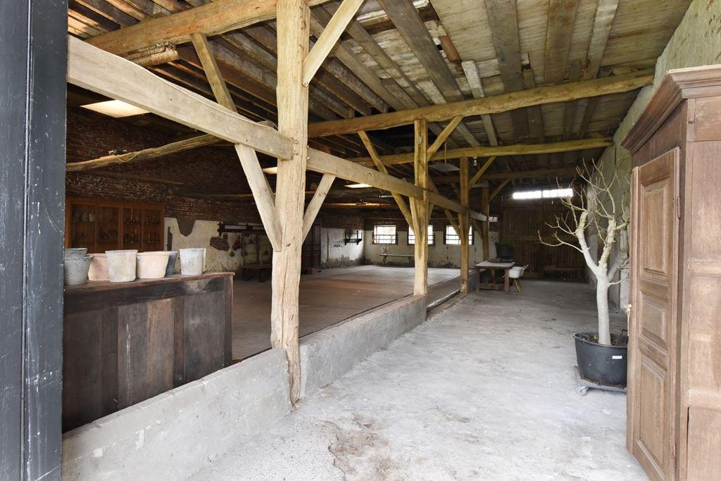 van-os-architecten-transformatie-oude-boerderij-schuur-tot-woonhuis-Galder-oude-bestaande-doorgangs-langsdeel
