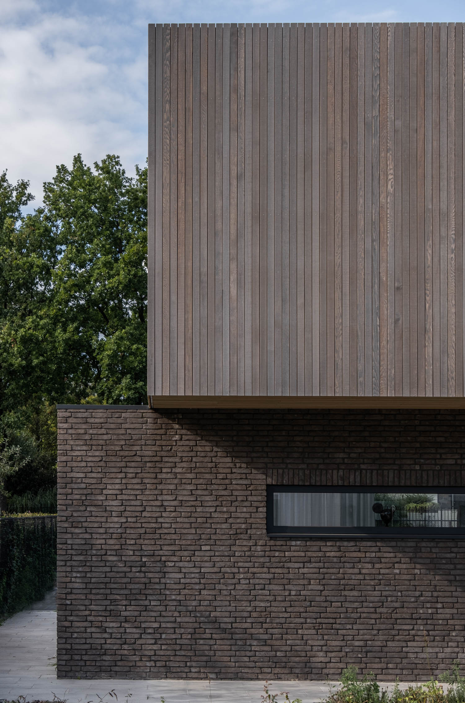 van-Os-architecten-nieuwbouw-woning-Westergouw-Teteringen-moderne-vrijstaande-villa-dakrand-zonder-daktrim