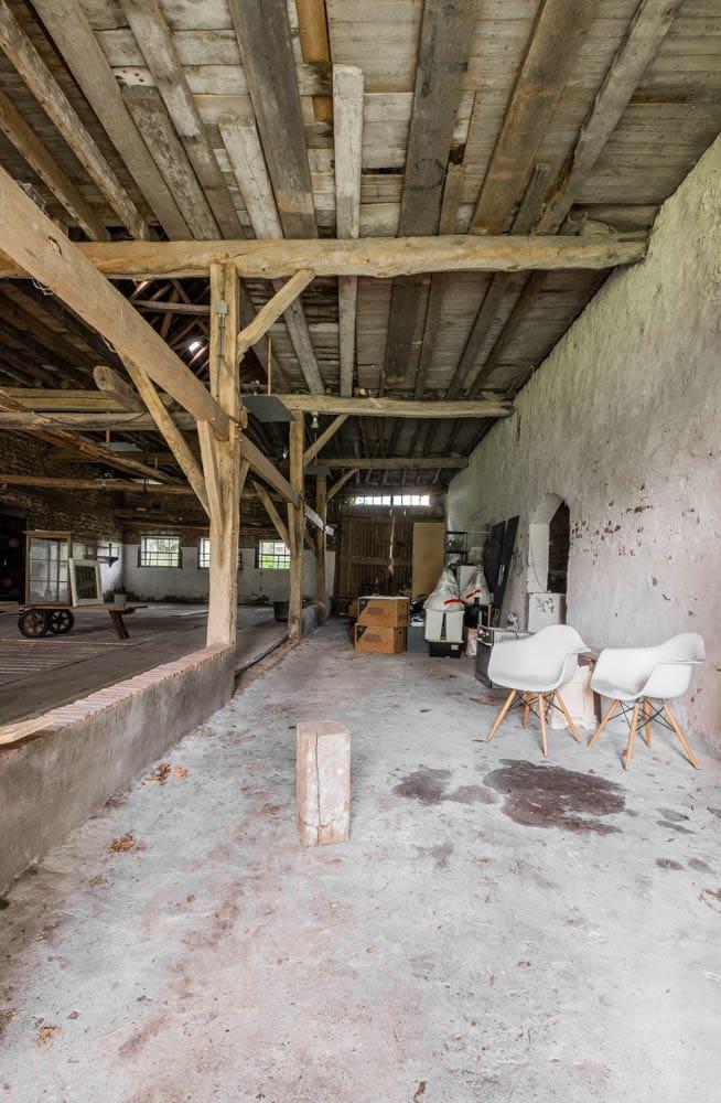 van-os-architecten-transformatie-oude-boerderij-schuur-tot-woonhuis-Galder-bestaand-interieur
