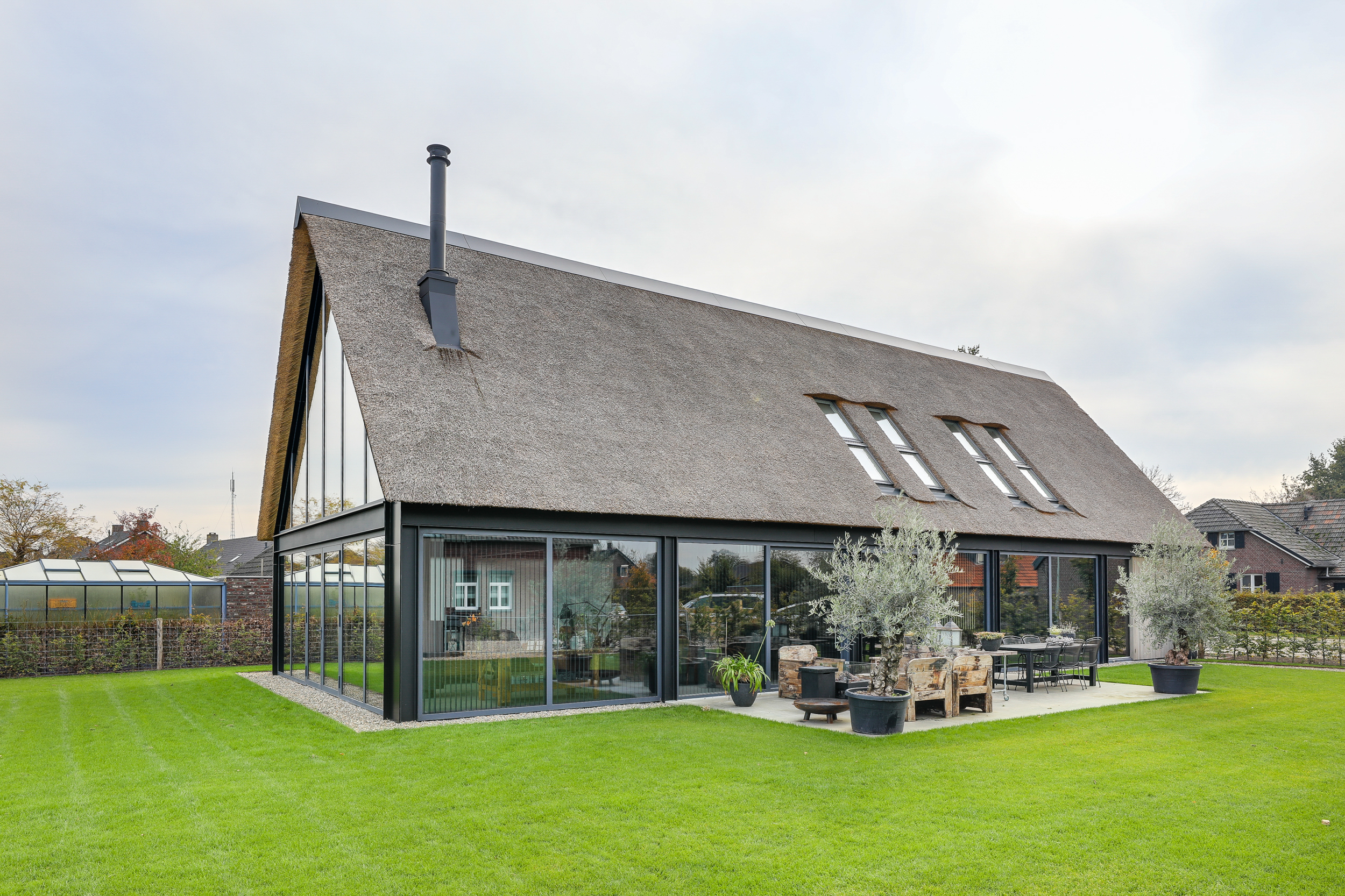 Nieuwbouw moderne woonboerderij Sevenum